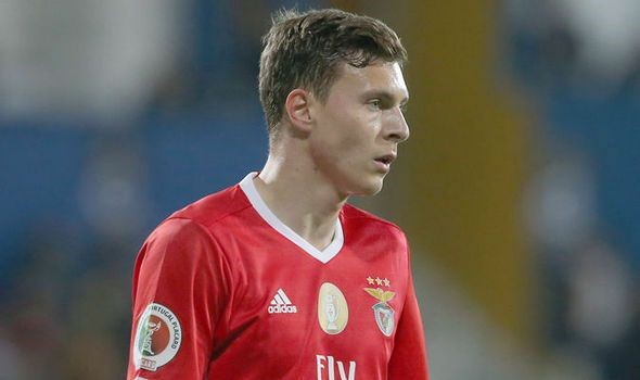 Victor Lindelof: The Man To Solve Manchester United's Defensive Issues