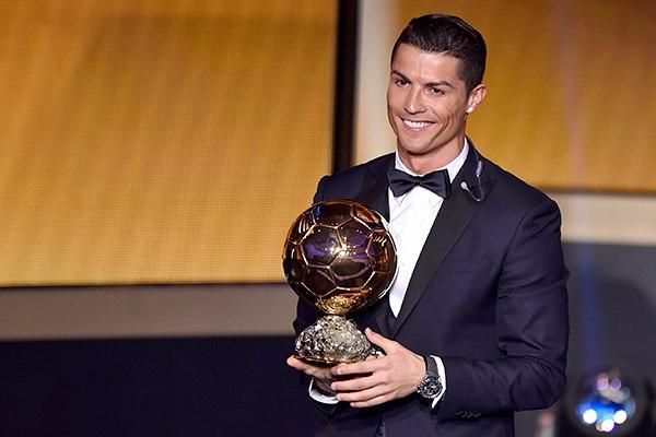 Роналду обладатель золотого мяча