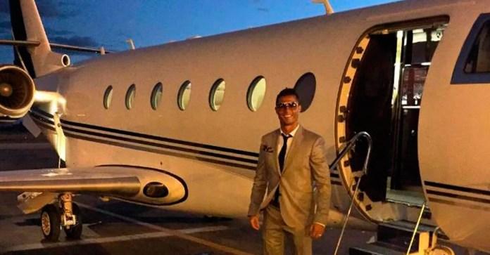 Личный самолет Роналду