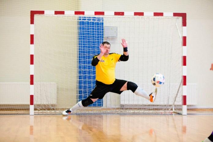 Вратарь в мини-футболе