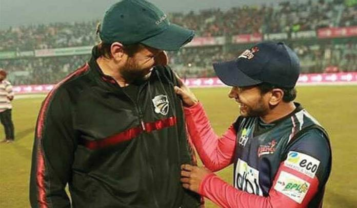 Afridi bought Mushfiqur's bat for 17 lakhs!