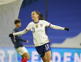 Alex Morgan buteuse contre la France ce 13 avril.