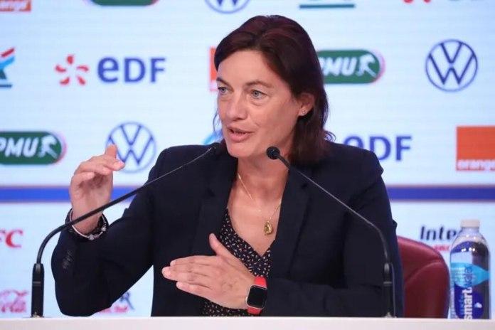 Corinne Diacre lors de France - Allemagne