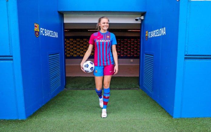 Barcelone enrôle l'internationale suédoise Fridolina Rolfö