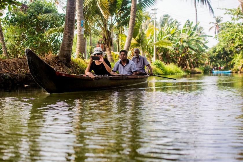 alleppey canoe