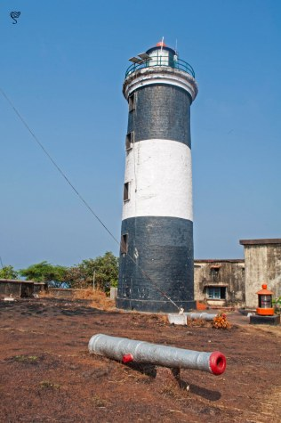 The back of the lighthouse and the cannon