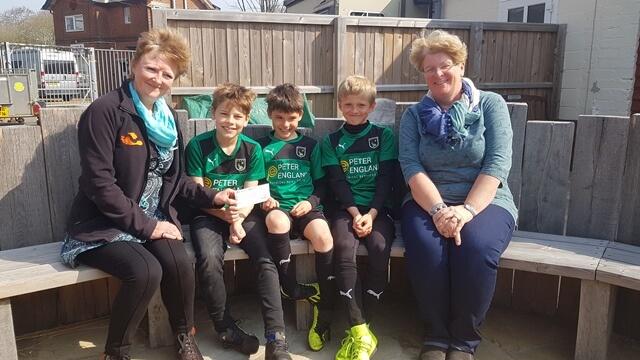 Gurnard Footballers aim to help local charity