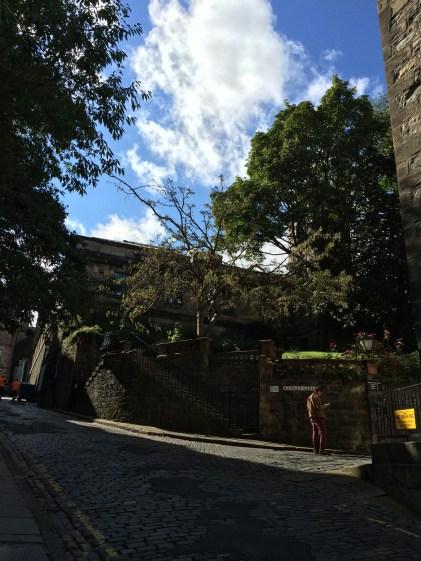 Climbing up Ramsay Lane towards Edinburgh Castle