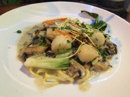 Scallops and mushroom linguine