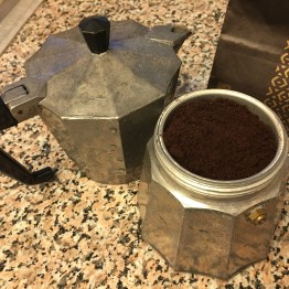 Use 8-10 tablespoons ground coffee to make 2 1/2 cup strong espresso coffee.