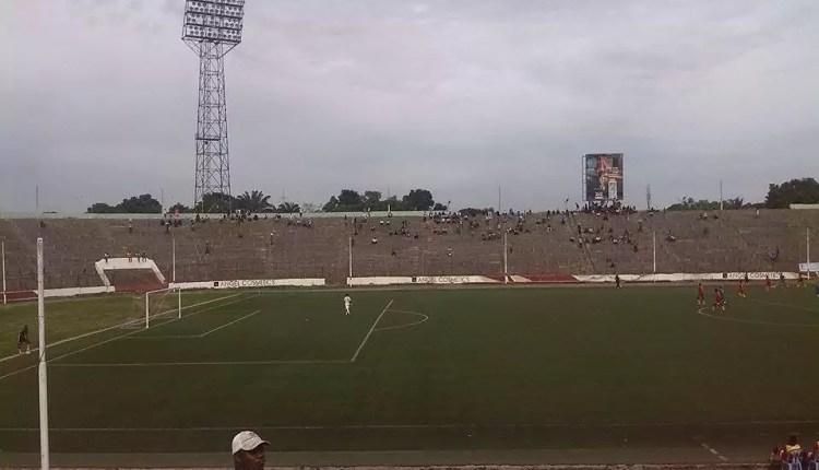 Infrastructures : Bientôt de nouveaux sièges au Stade Tata Raphaël ?