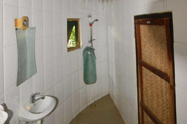 Roundhouse accommodation | interior | ensuite bathroom