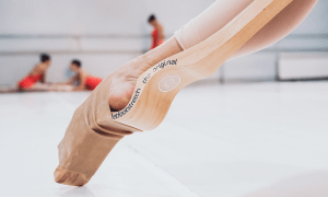 certified-david-campos-ballet-foot-stretch-4
