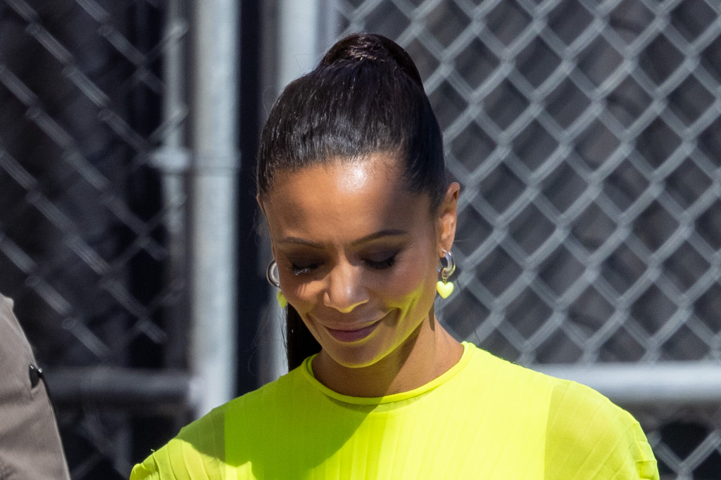 Find where to watch thandie newton's latest movies and tv shows. Thandie Newton Is Vibrant For Kimmel In Neon Dress Chanel Slides Footwear News