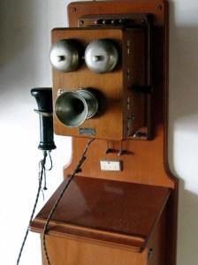 Telefone antigo Como Economizar com Chamadas Internacionais