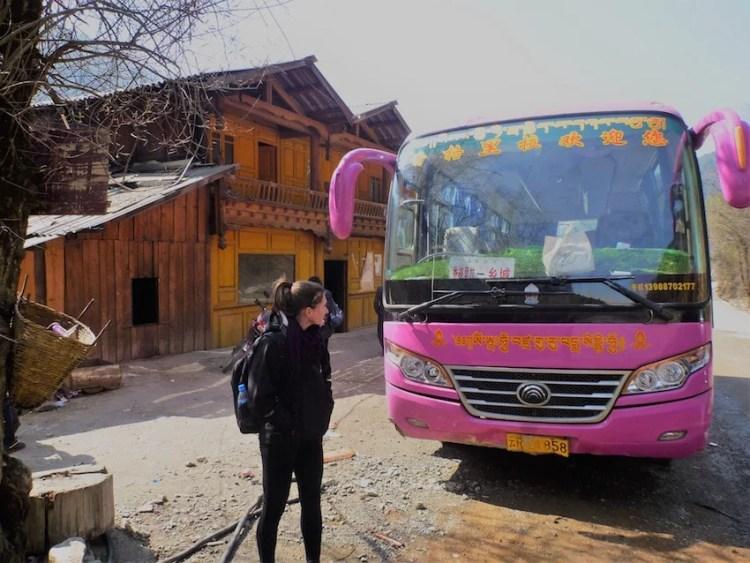Ônibus entre Shangri-La e Litang na China / Tibete