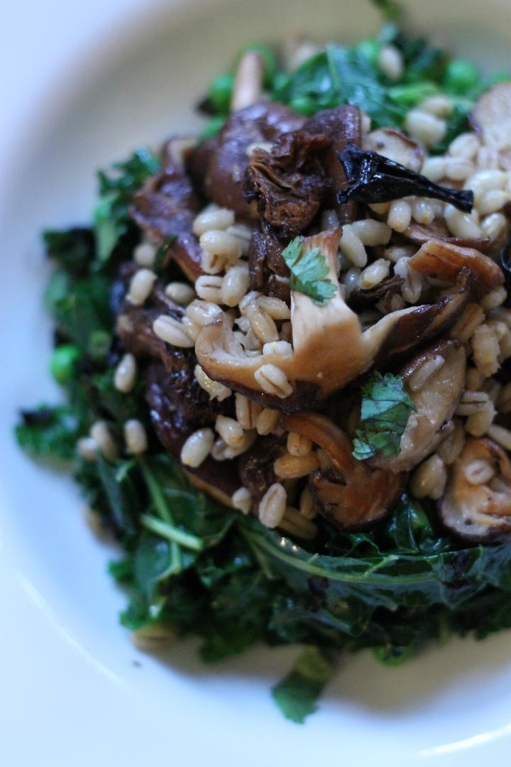 Tofu, Mushroom and Seaweed Kale