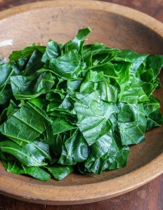Steamed broccoli leaves