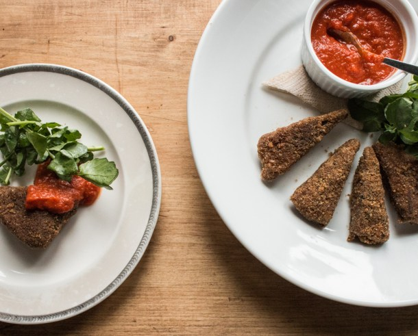 Baked goat breast with watercress and tomato