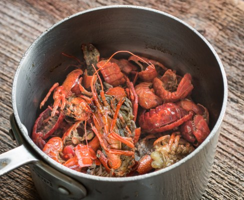 Making crayfish infused drawn butter