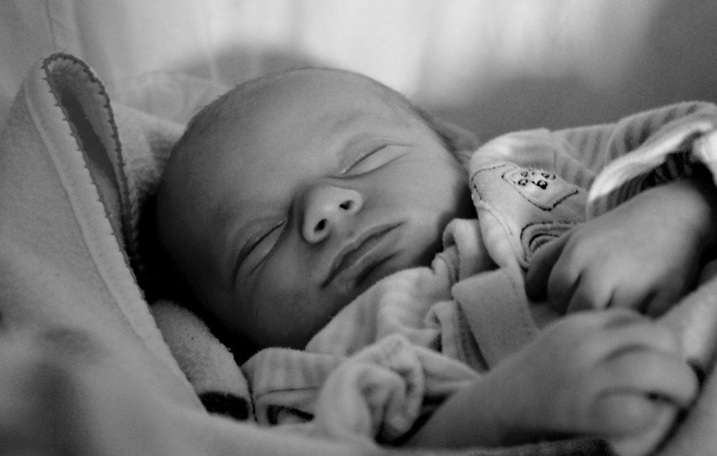 Tudo o que sempre lhe disseram sobre o sono do seu bebé, que não é verdade.