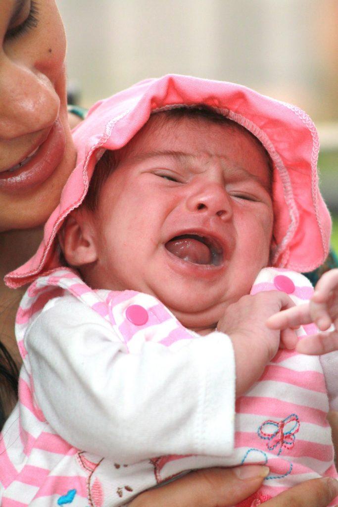 Quanto tempo leva uma mãe a responder ao choro do seu bebé?