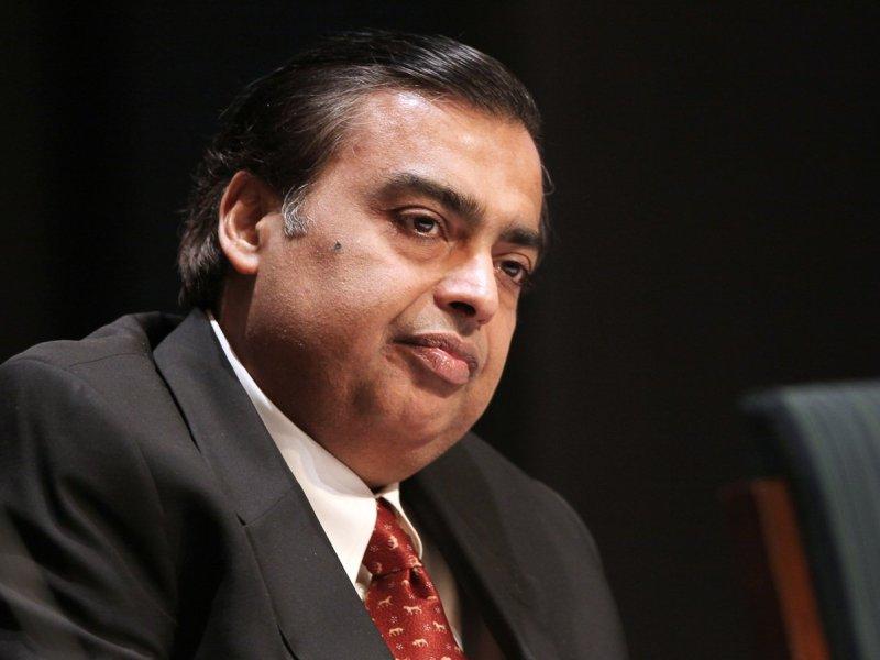 Mukesh Ambani, propietario del equipo de críquet Mumbai Indians y presidente, director general y uno de los principales accionistas de Reliance Industries Limited