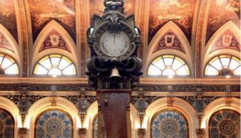 Bolsa de Madrid. Reloj.