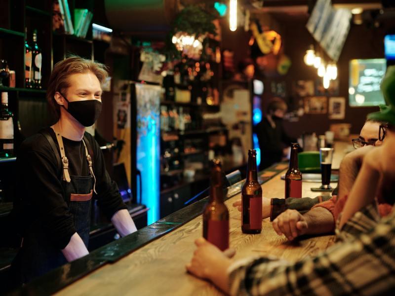 La hostelería recorta un 17% su plantilla y factura un 61% menos hasta febrero