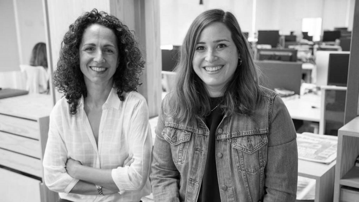 Mireia Álvarez, Client Business Partner de Arena Madrid, y Gloria Garces, Manager de Estrategia Digital