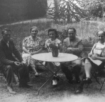 Paris: Hans Kafka, Ilona Jellinek, Trude Kafka Erich and Wilhelm Zeisl