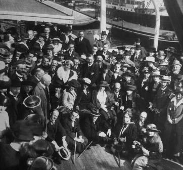 1920 Mahler Festival in Amsterdam - group photo with Alma sat in the middle, surrounded by Richard Specht, Arnold Schoenberg, Emmy Wellesz, Carl Moll, Anton von Webern, Egon Wellesz and the music publisher Emil Hertzka