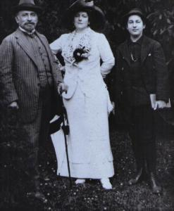 Julius with wife and son Erich, 1911