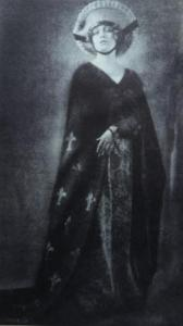 Maria Schreker as Els in the Berlin State Opera's production of 'Der Schatzgräber'