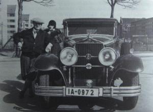 Franz and Maria Schreker with their new Horch, 1927