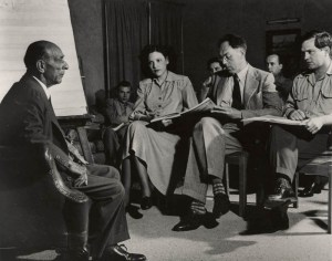 Schoenberg teaching private classes (ASCV)