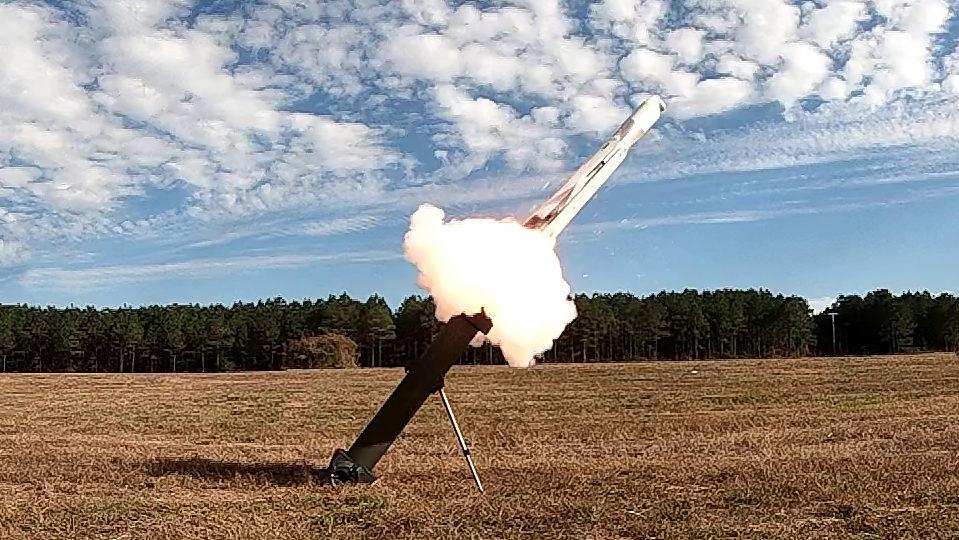 A UVision/Mistral fornecerão o HERO-120 OPF-M ao USMC. HERO-120 OPF-M sendo lançado. (Foto: UVision).