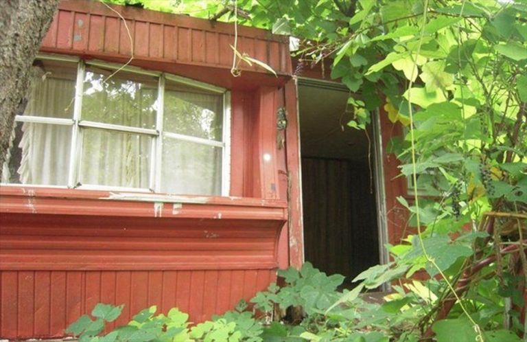 Two Bedroom House for Sale in North Carolina with 3/8 acre 1