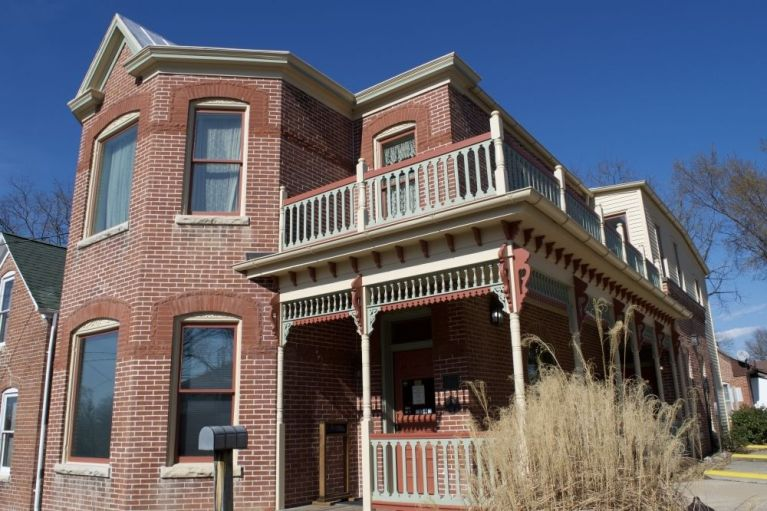 Historic commercial property, 3 Victorian buildings,  in high traffic area 1