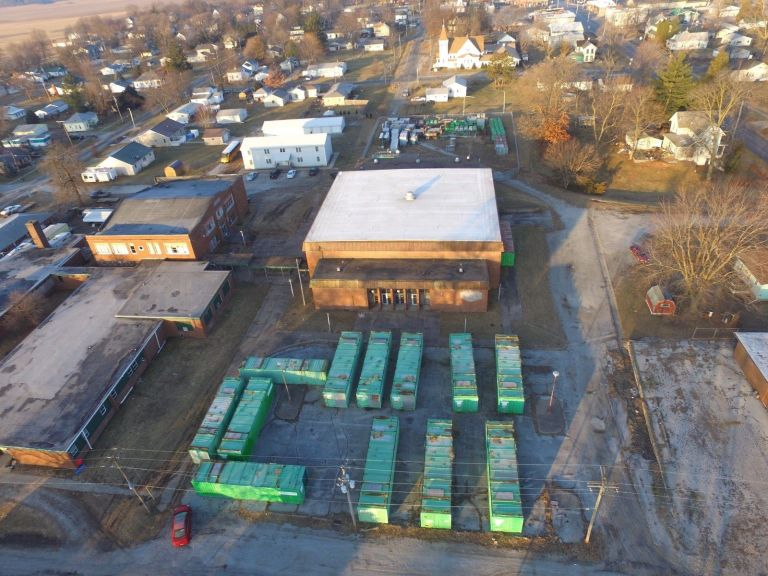 Illinois 2.48 Acres Zoned Commercial / Industrial 15,800 ft Storage Building 5