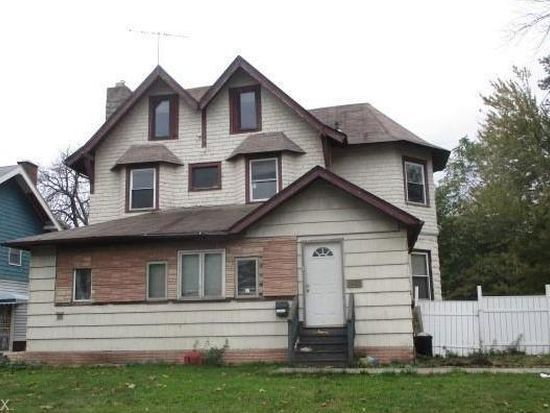 Large investment home in Cleveland Ohio across from Lake Erie! 5
