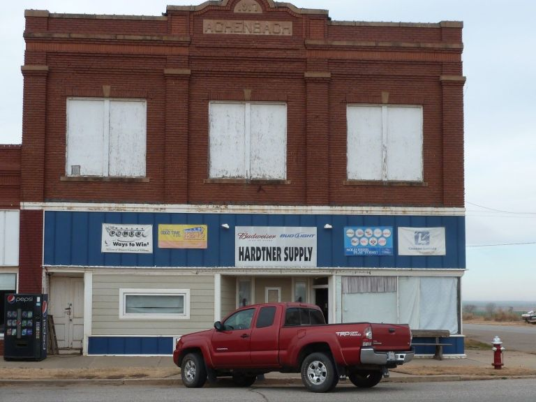 LARGE 15921 SQ. FT. FORMER GROCERY STORE 4