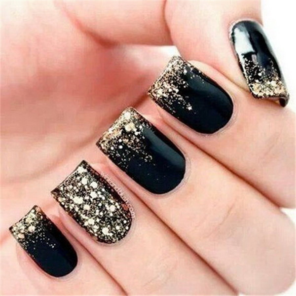 Black and Gold Glitter Nail Art.
