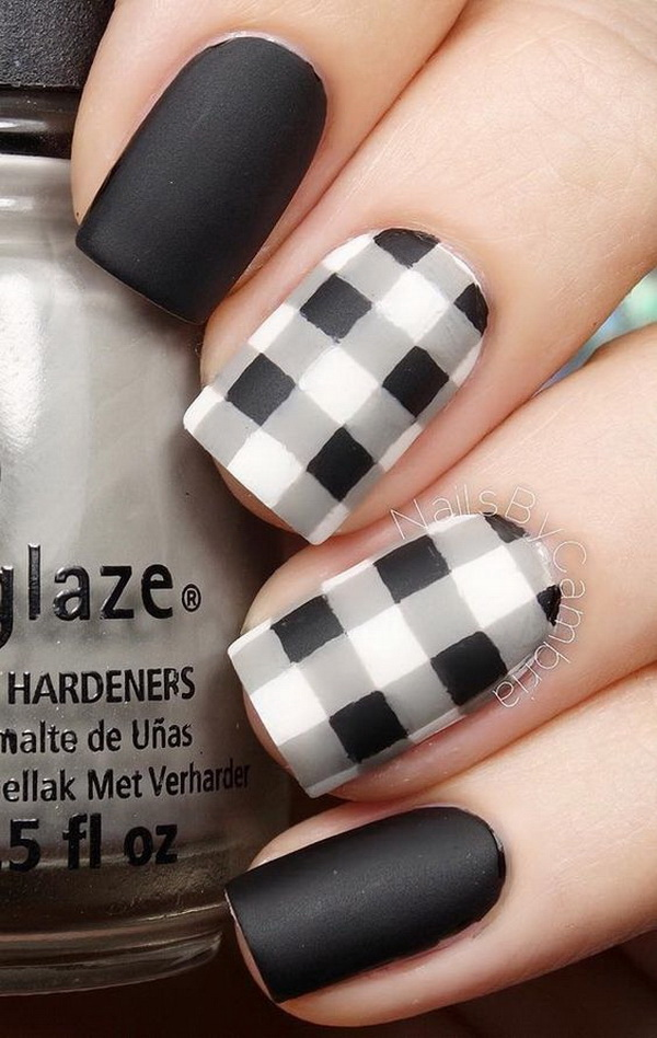 Black and White Plaids Nail Art Design.