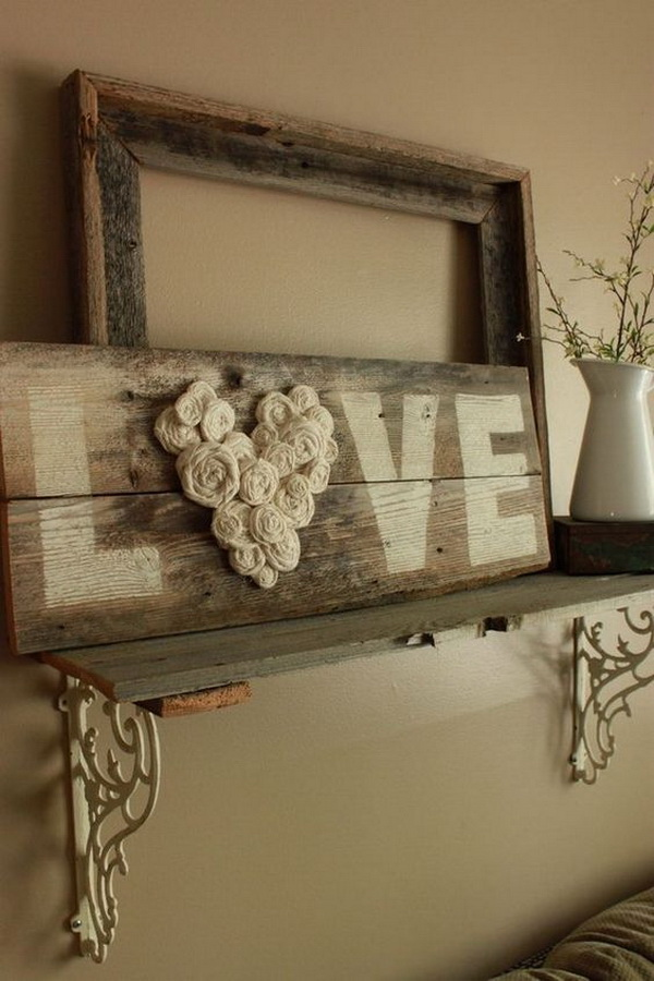 DIY Fence Wood LOVE Sign.