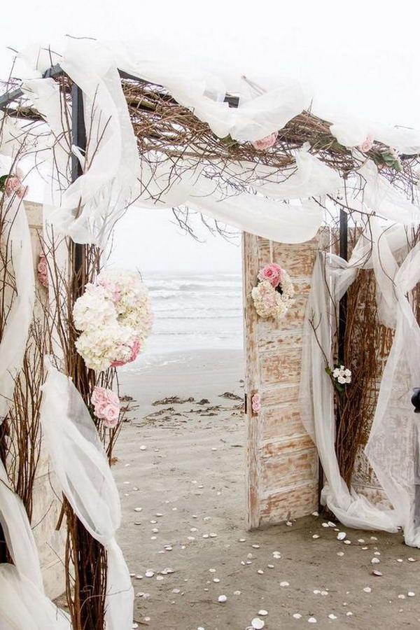 Romantic Beach Wedding Arch. What a beautiful wedding arch decoration idea! Love it!