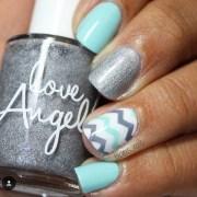 beautiful chevron nail art