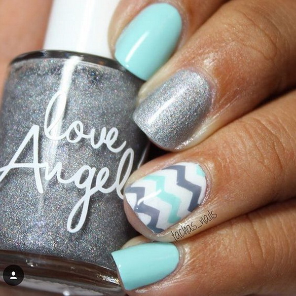 Blue and Gray Chevron Nail Design.