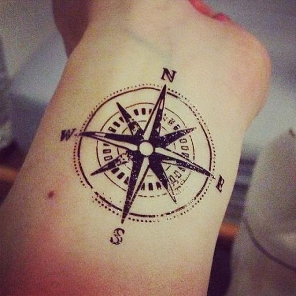 kompass tattoo design