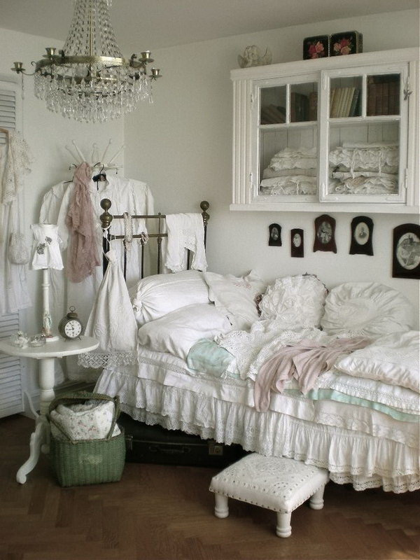 Good Small White Chic Bedroom